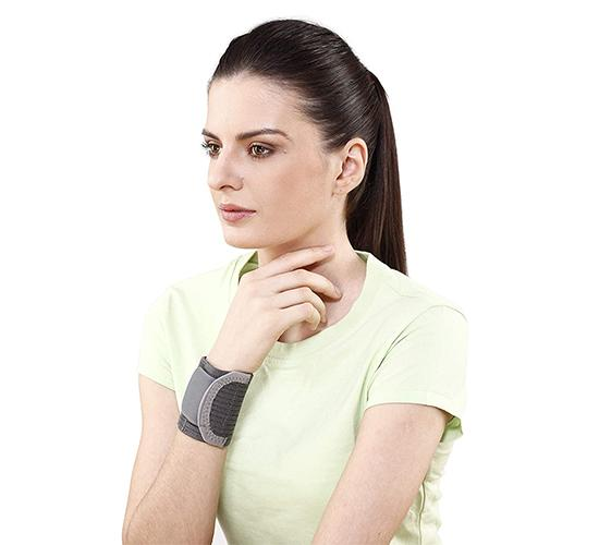 Tynor Wrist Brace with Double Lock 1